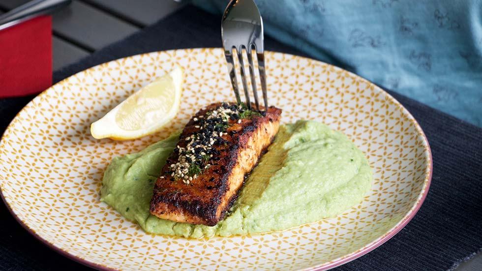 Lachsfilet mit Brokkoli-Püree