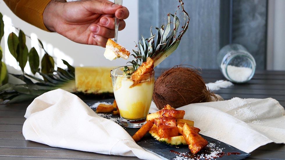 Piña-Colada-Cream mit gebratener Ananas