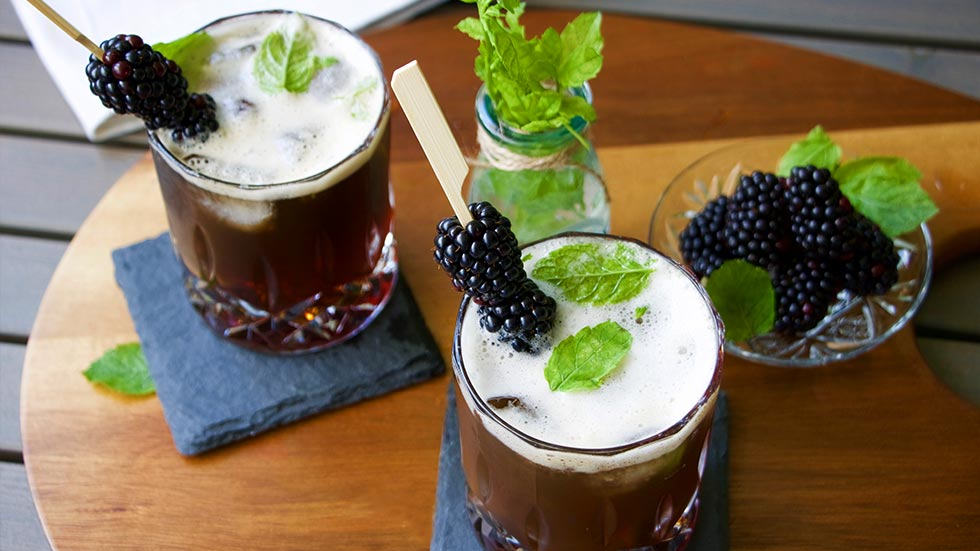 Brombeeren Velvet Cocktail