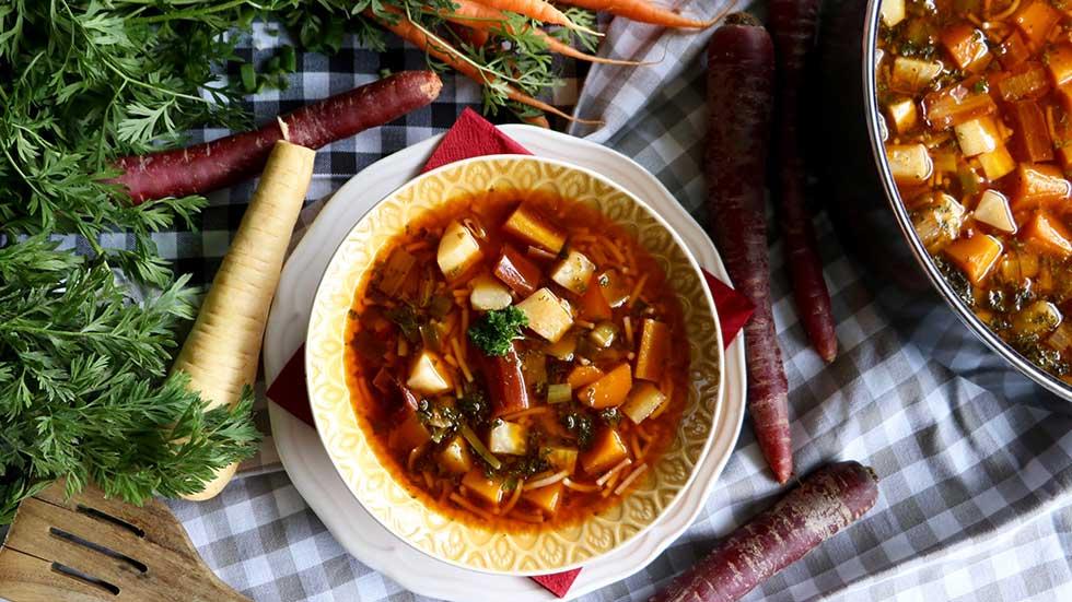 Minestrone-Suppe mit Fidelini