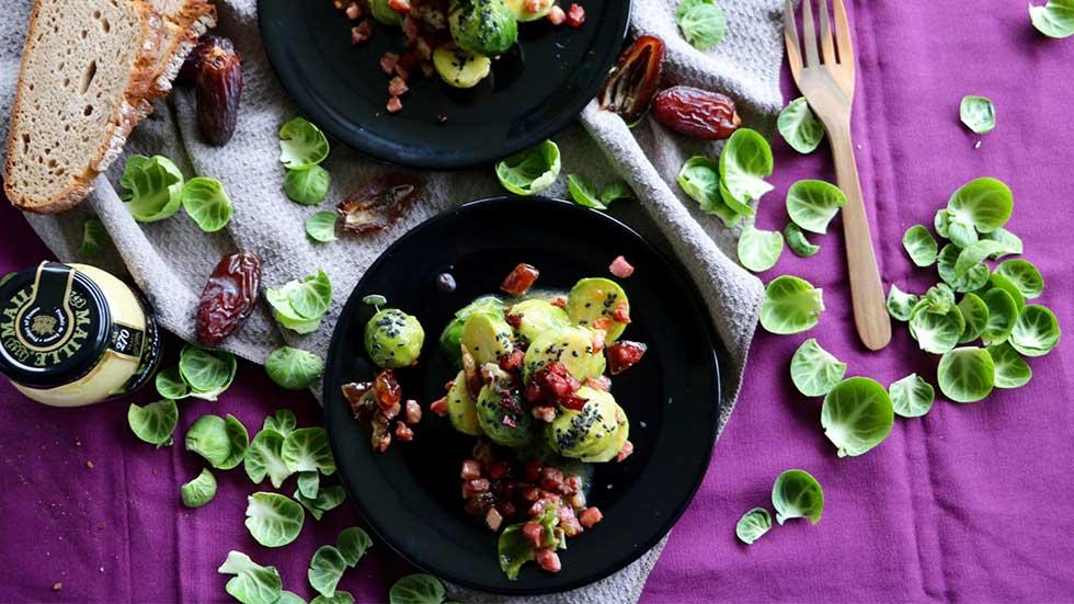Rosenkohl-Salat mit Datteln und Speck