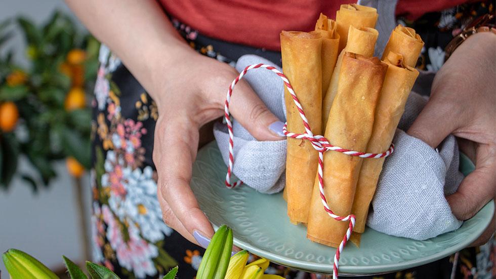 Flöten aus Filoteig gefüllt mit Käse