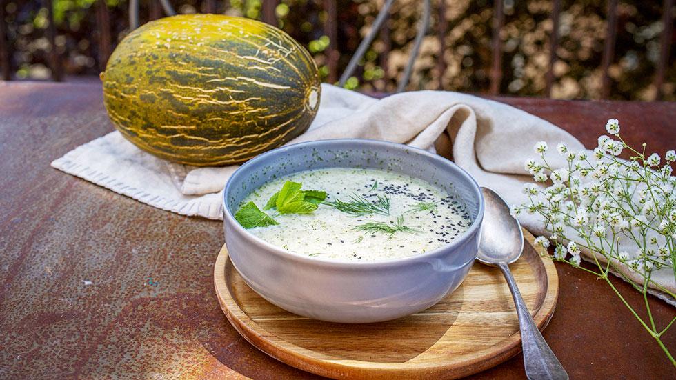 Kalte Sommersuppe mit Melonen und Prosecco