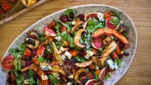Herbstsalat mit Kürbis und Pilzen