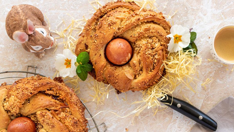 Ostergebäck mit Haselnüssen