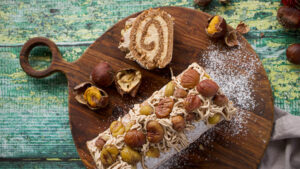 Maroni-Biskuitrolle mit Dulce de leche